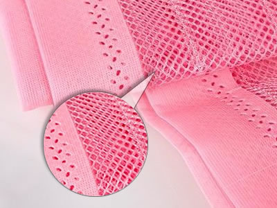 This is a magnetic insect screen in pink, and we can see its high-density mesh clearly.