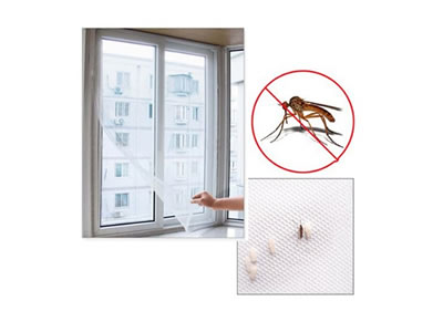 The picture shows a magnetic mosquito net in white, and by putting rice grains, we can know that it's a high-density product.